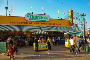 ConeyIsland.Nathans
