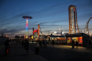 ConeyIsland.Pier.Night