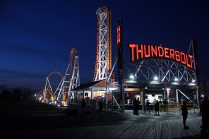ConeyIsland.Pier.Thunderbolt.Night