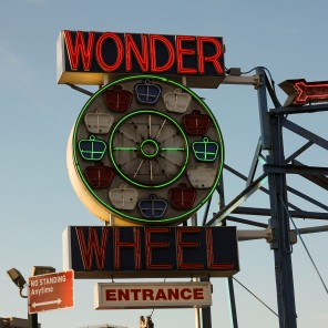 ConeyIsland.WonderWheelSign.Day