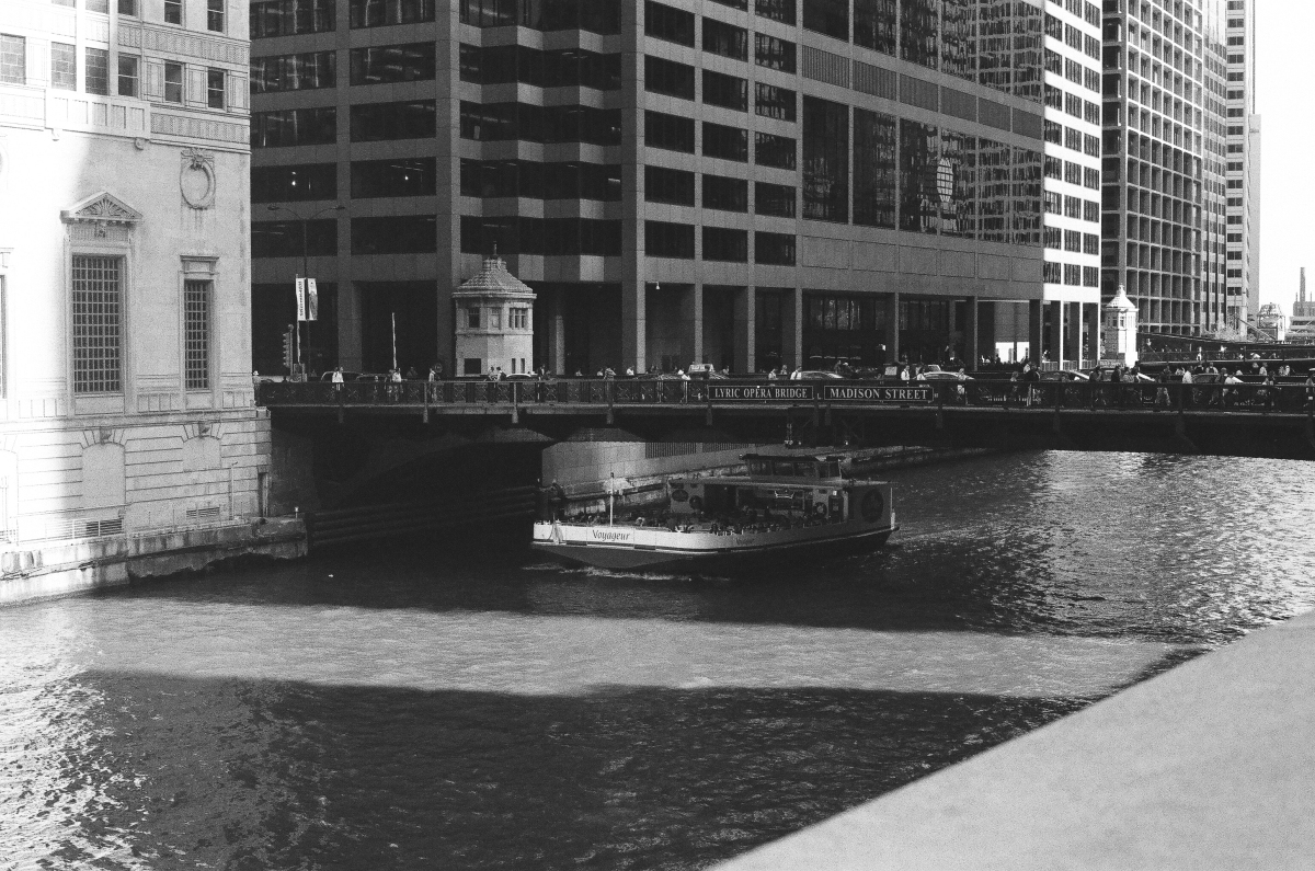 chicago-boat-tour-35mm