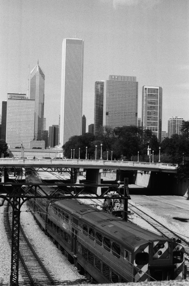 chicago-skyline-35mm-black-white