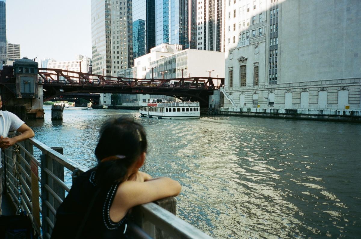 mom-chicago-river