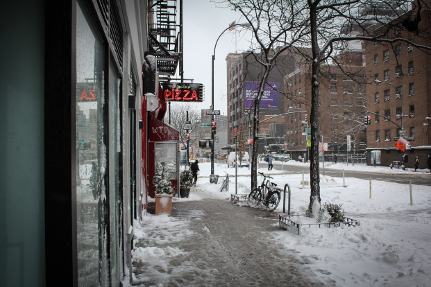 pizza-nyc-snow