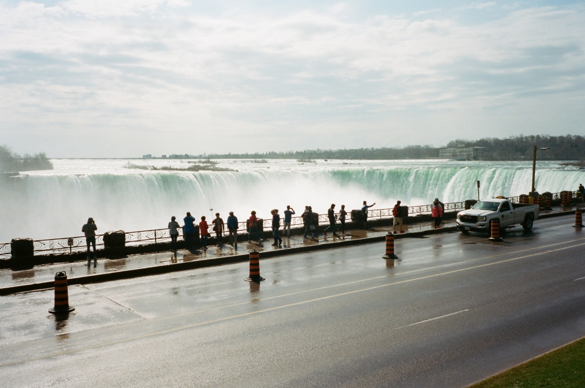 Street Niagara Falls, CA